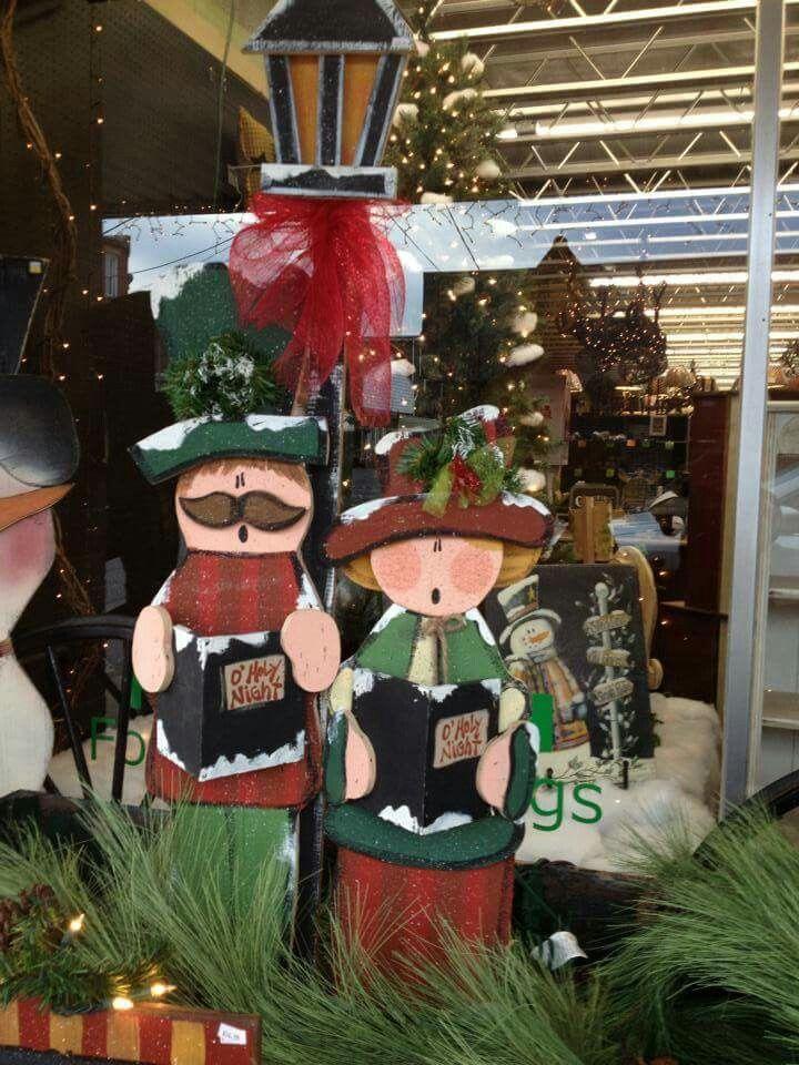 Tall wood Christmas craft decorations. Christmas carolers.
