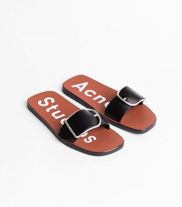 A Complete Sandal Wardrobe Includes These 5 Pairs   CHAUSSURES ... ab7c6625ed2