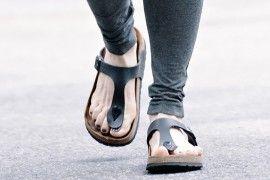 Julianne Moore wears Birkenstock Gizeh Sandals in NYC (5)