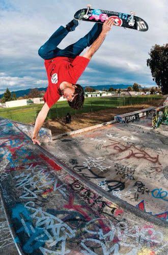 203fdd5f41dcde lots of style style! handplant skateboarding