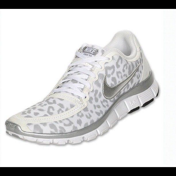 womens nike free 5.0 v4 running shoes white\/silver\/wolf grey (511281 100)
