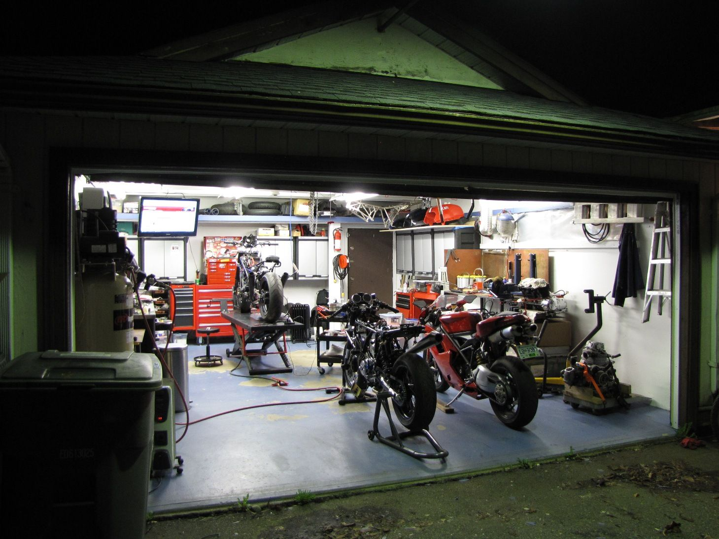 Garage Ideas Dream Men Cave Au Driveway Man Caves Ultimate