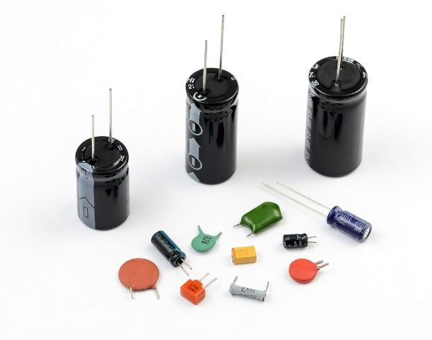 How Does A Capacitor Work Electronics Basics Electrical Circuit Diagram Electronic Engineering