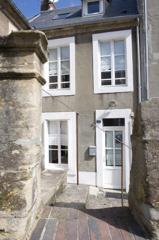 location vue mer la maison sur le quai gite de charme port en bessin normandie face. Black Bedroom Furniture Sets. Home Design Ideas