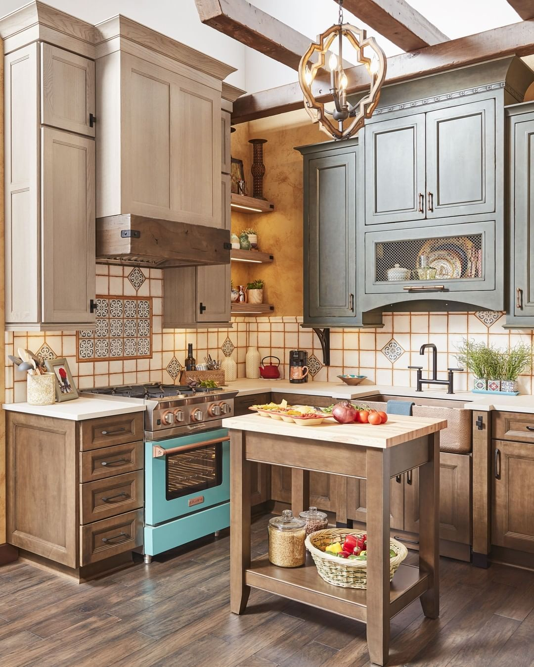 Wellborn Cabinet On Instagram Join Wellborn Cabinet Inc Booth N2905 As Our 90 X50 Ex In 2020 Kitchen Inspirations Modern Kitchen Set Kitchen Cabinet Inspiration