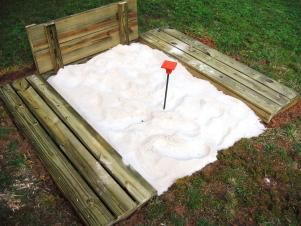 How to Build a Horseshoe Pit in 2020 | Kid friendly ...