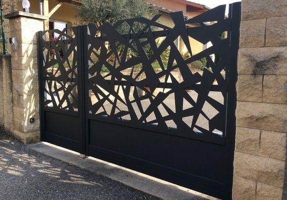 cetal fabricant fran ais de portails aluminium cl tures. Black Bedroom Furniture Sets. Home Design Ideas