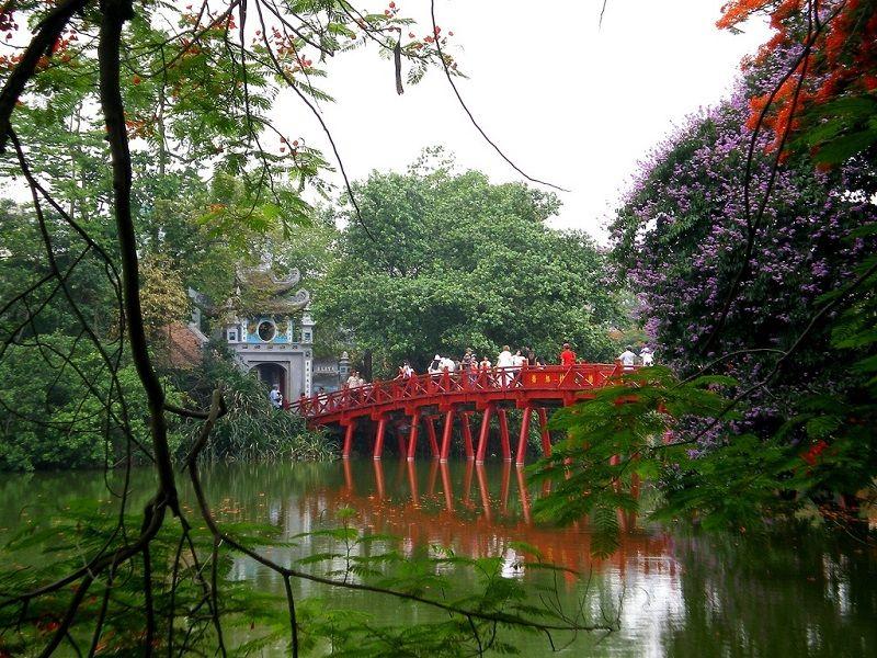 Ngoc Son Temple in Hoan Kiem, Hanoi    #Toptoursinhanoi #vietnamnet #toursinhanoi #vietnamholidays #vietnamholidaypackages #Hanoi #hanoivietnam #hanoitours