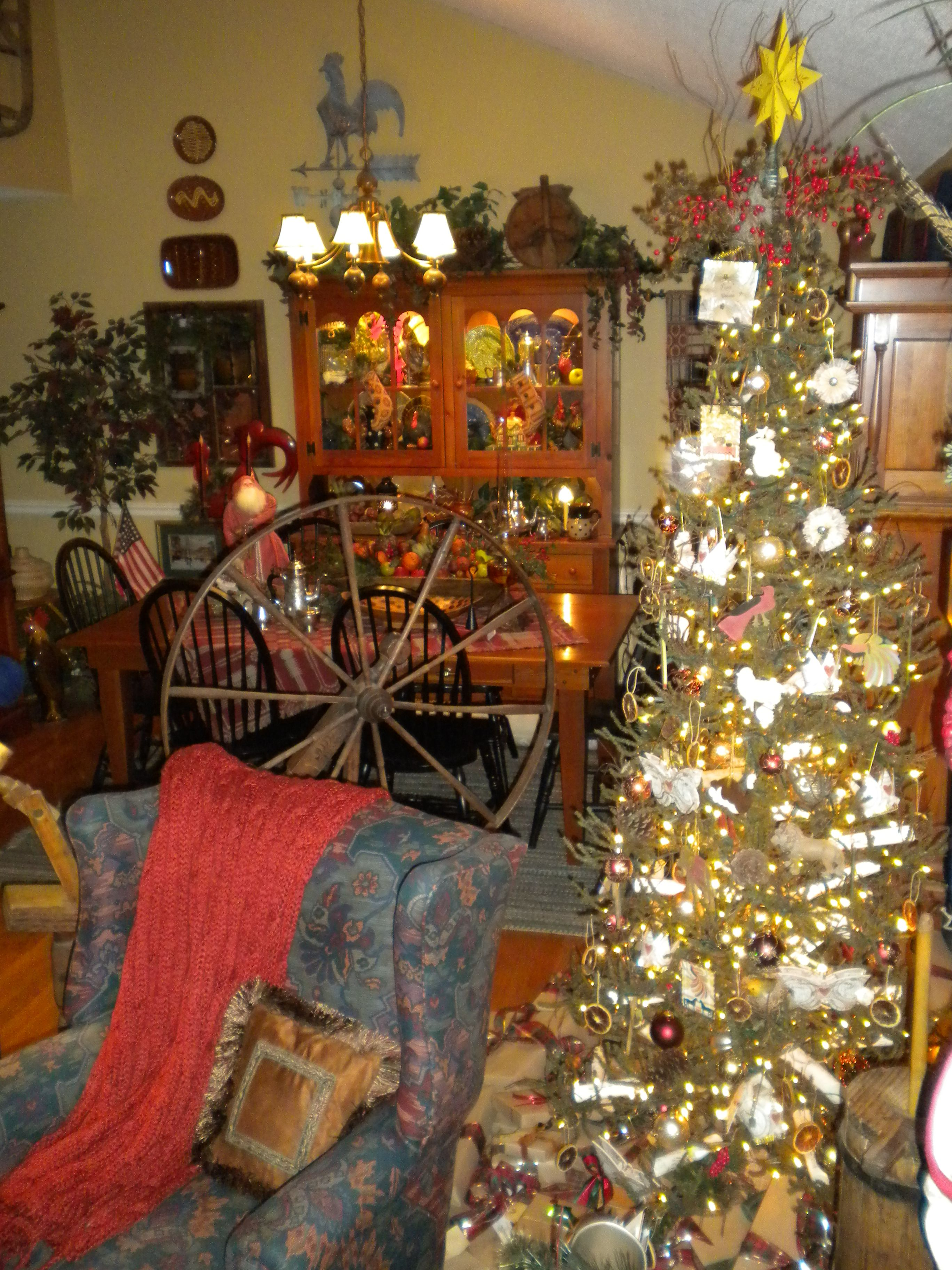 bedroom decorating ideas primitive christmas decor - Pinterest Primitive Christmas Decorating Ideas