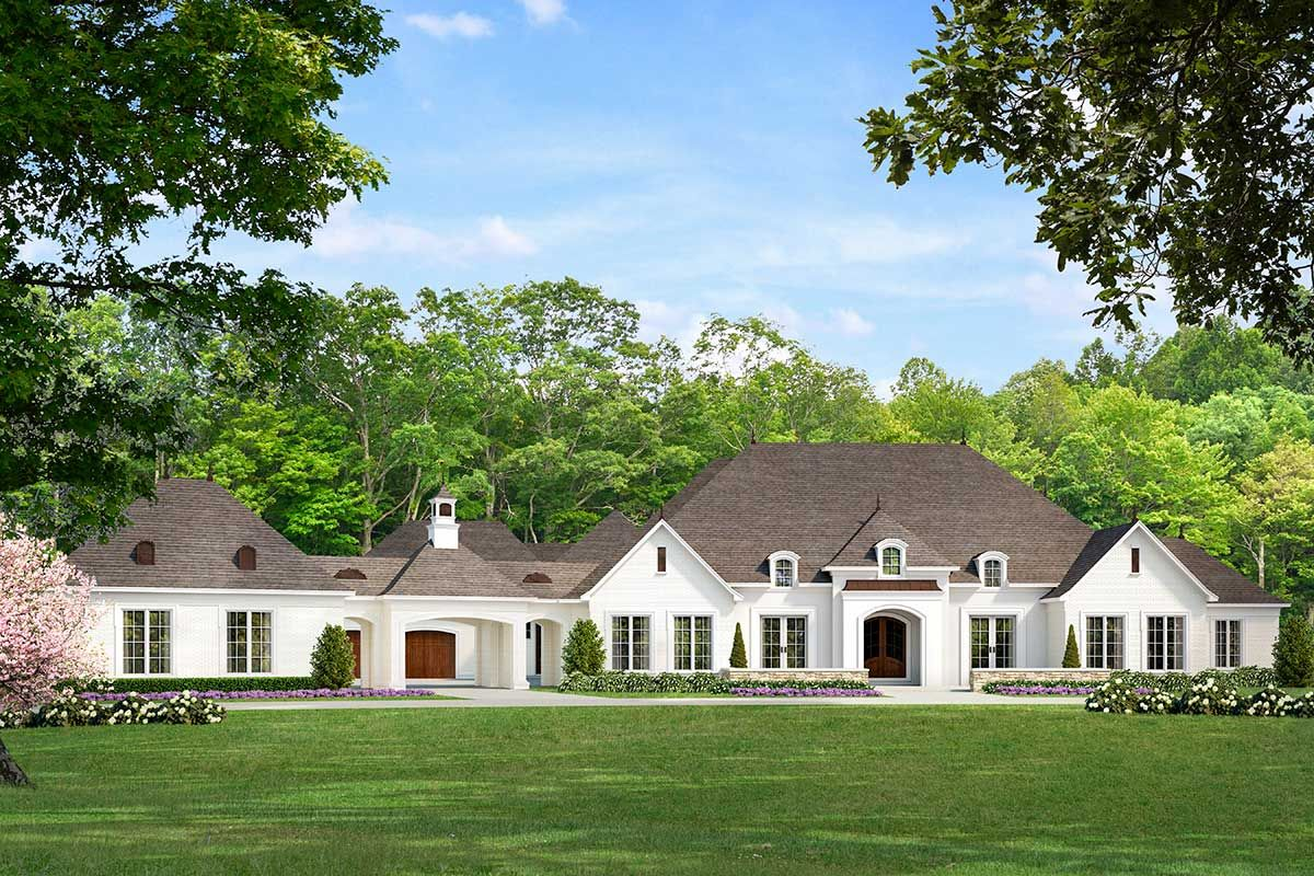 Plan 70584mk Luxurious 5 Bed House Plan With Porte Cochere Country House Plans French Country House Traditional House Plans