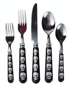 Skull Print 20 Piece Flatware Set By Murval Skull Decor Gothic Home Decor Gothic Kitchen