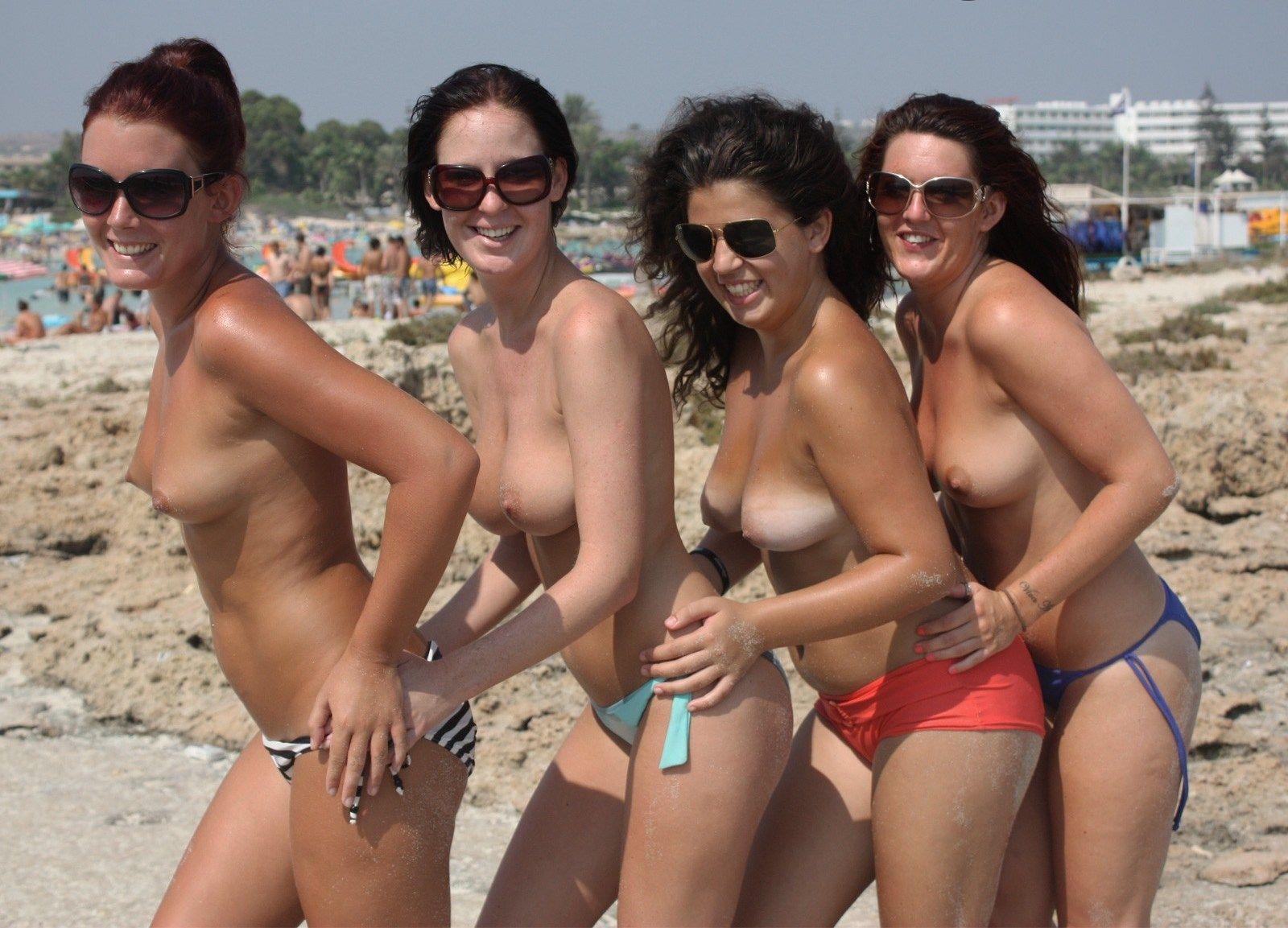 eye candy girls Beach