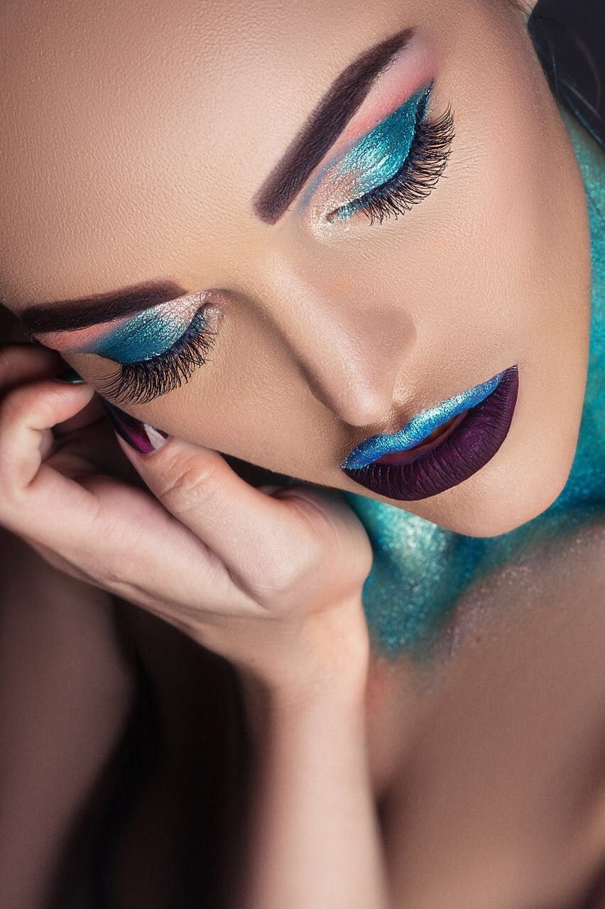 Girl,glitter,make up with glitters