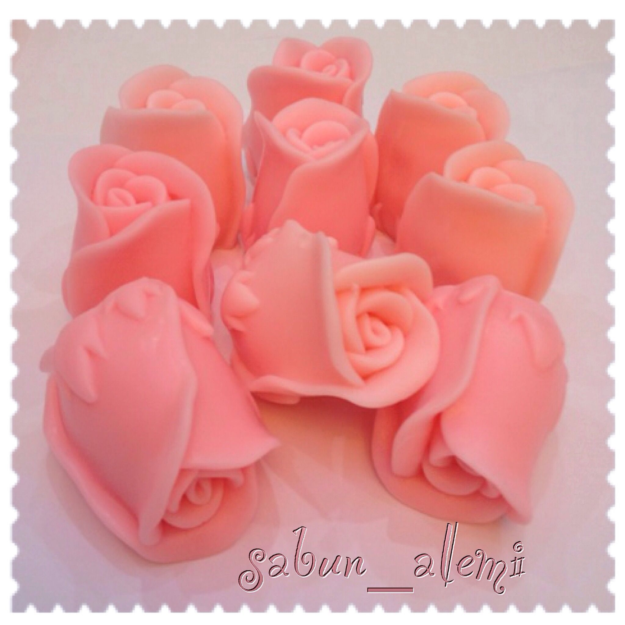 Kokulu sabun güller Jabon glicerina Pinterest Homemade soaps