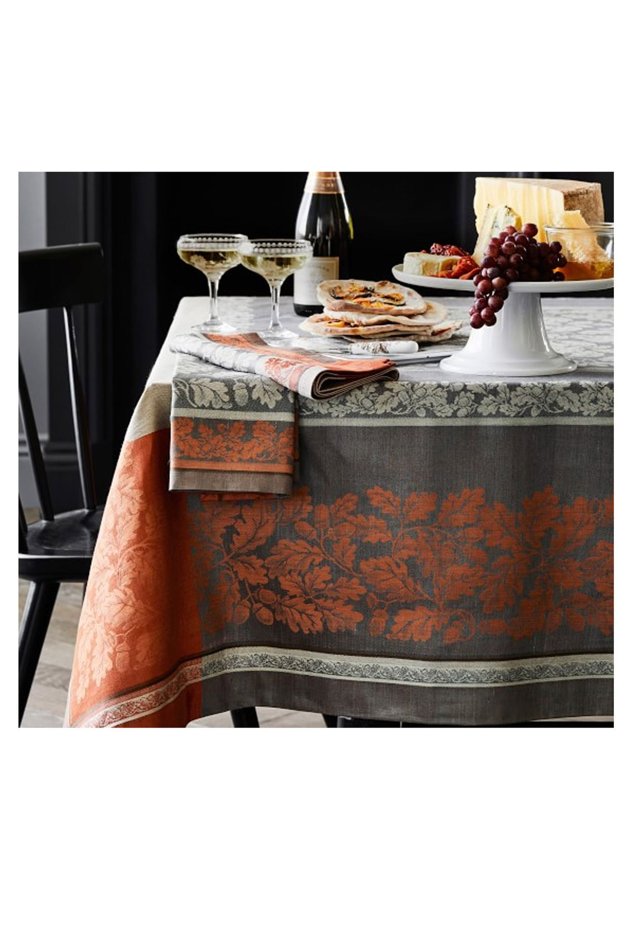 These Thanksgiving Tablecloths Make for an Unforgettable ...
