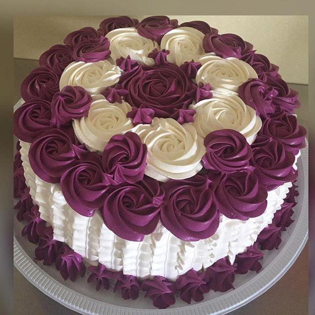 Adoro essa cor! Vinho bordô❤️#bolodechantininho#cake#arte#chantilyamélia#vigorbrasil#vinhobordô#corantesmix