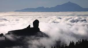 El Roque Nublo y al fondo el padre Teide