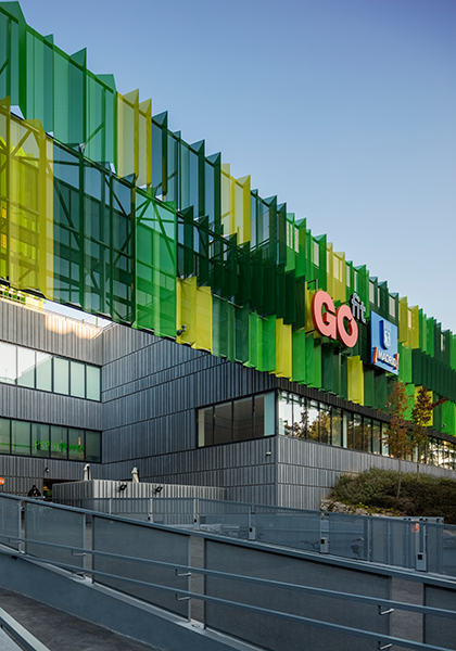Centro Deportivo Vallehermoso Madrid Architects Abm Arquitectos Features Perforated Galvanized Lacquered Steel Me In 2020 Facade Architecture Facade Cladding Facade