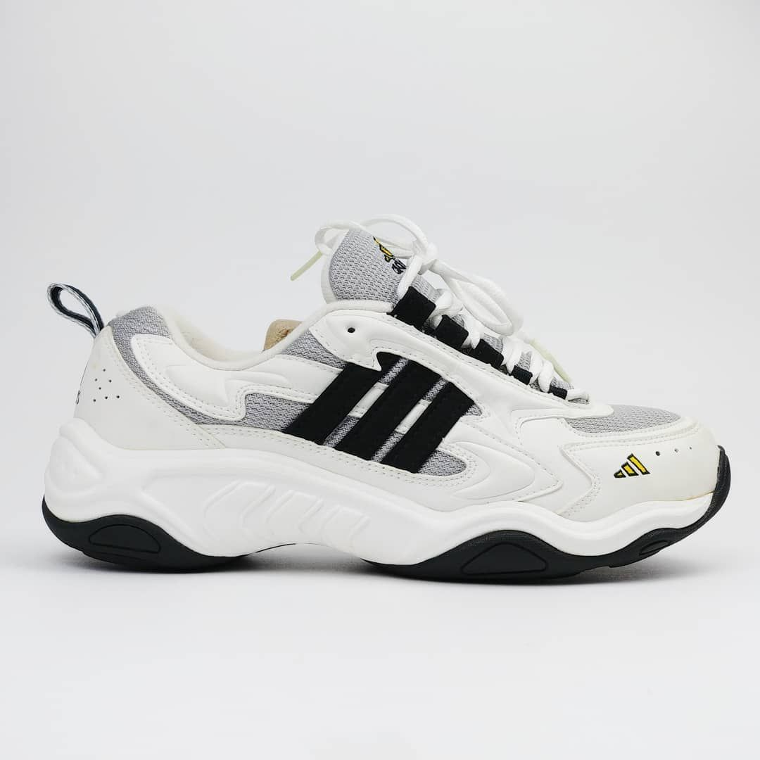 8d8b7d37 Adidas 2000 vintage running shoes sneakers | @ffi_bonacci in 2019