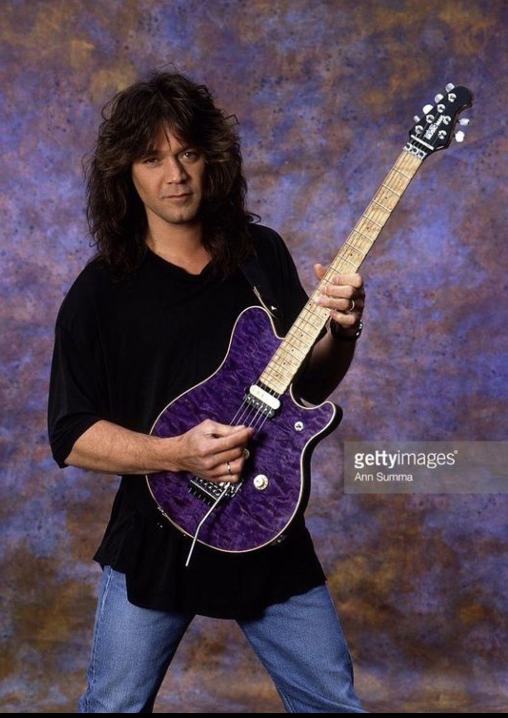 Pin By Paul Mccary On Edward Van Halen In 2020 Eddie Van Halen Heavy Metal Music Van Halen