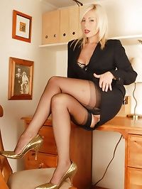 mature heels and stockings sex left