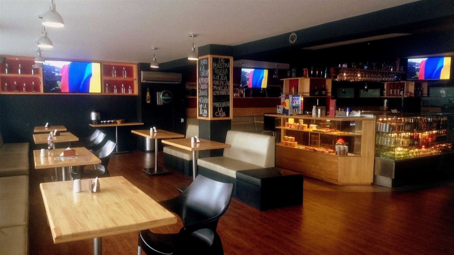 La Cava Del Aqua Cafe Bar Hoteles En Cali Colombia Aqua Granada Hotel Boutique En Cali Restaurante Bar Bar Restaurantes