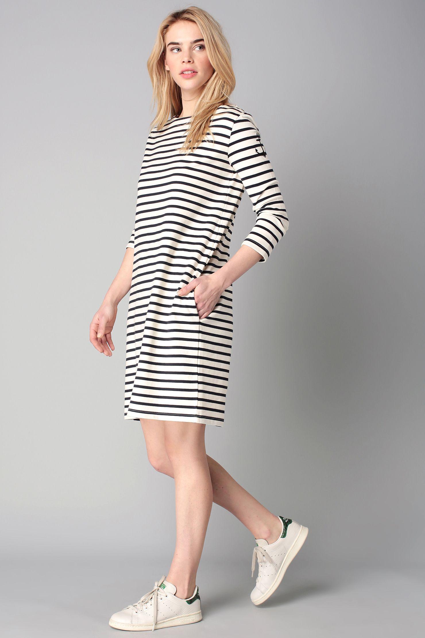 52f40accd8a Robe marinière en coton - Très droite mais pas longue - Manches longues ou  courtes pas bretelles - Blanche et noire   Blanche et bleue