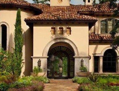 Fachadas con arcos coloniales p rtico puerta principal for Piccola casa con avvolgente portico
