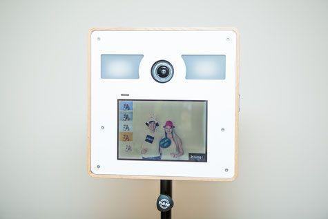 Design unsere fotobox ideal fur party hochzeit messe firmenevent geburtstag also selfie kiste selfiekiste on pinterest rh