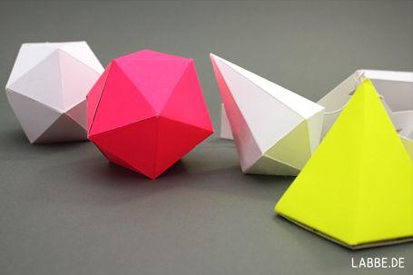 kristalle aus papier paper crystals paperart geometrische k rper kristalle und origami. Black Bedroom Furniture Sets. Home Design Ideas