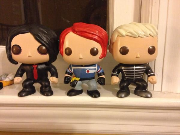 Oh My God Bethanylouwho I Customized The Diyfunkopop To Make Gerardway Mychemicalromance Funkopop My Chemical Romance Pop Vinyl Musical Band