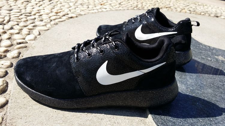 running  shoes  free Black White Black Nike Roshe Run Star Diamond Mens  511881 110 82525396b