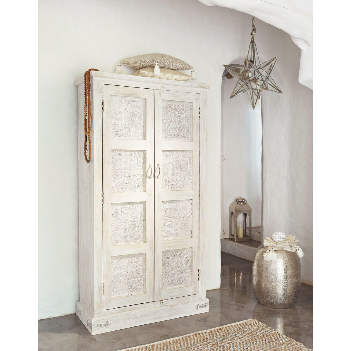 armoire en manguier blanche effet vieilli l 90 cm deco salon armoires and vintage shabby chic. Black Bedroom Furniture Sets. Home Design Ideas