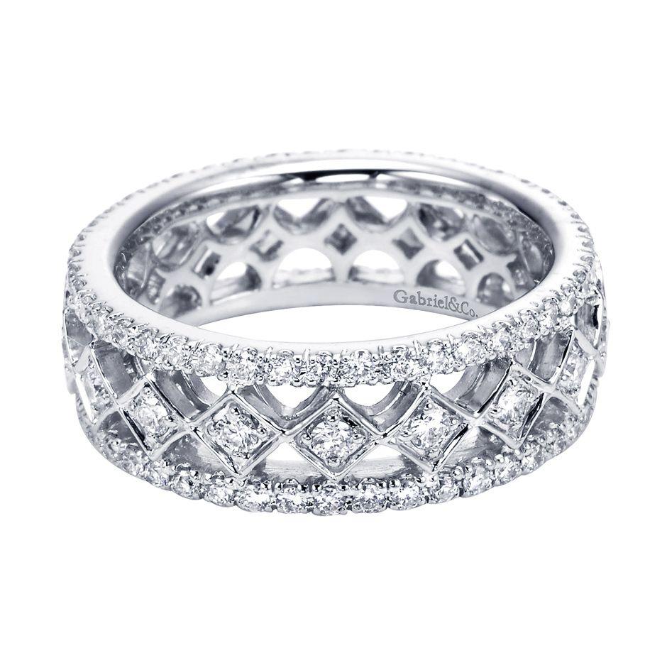 anniversary diamond band