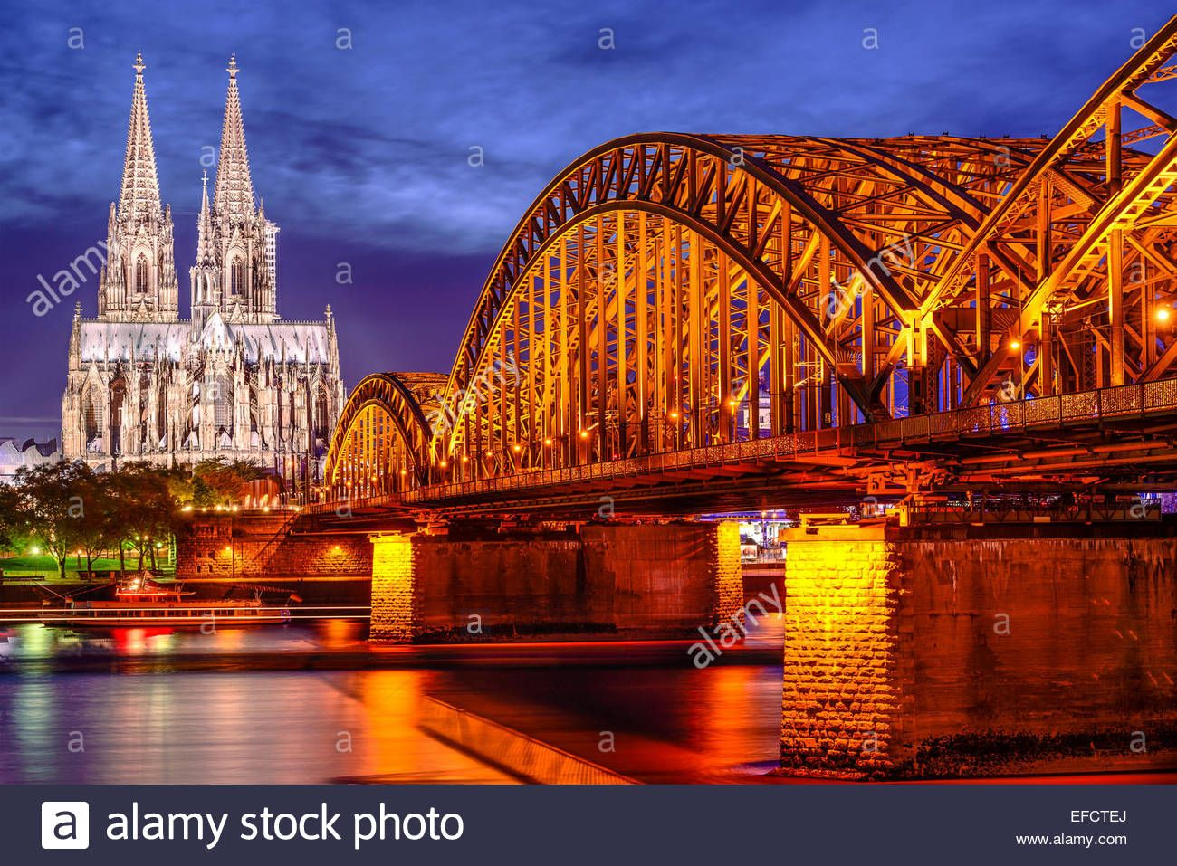 Cologne Germany Old Town Skyline At Cologne Cathedral And Stock Photo Alamy In 2020 Cologne Cathedral Cathedral Old Town