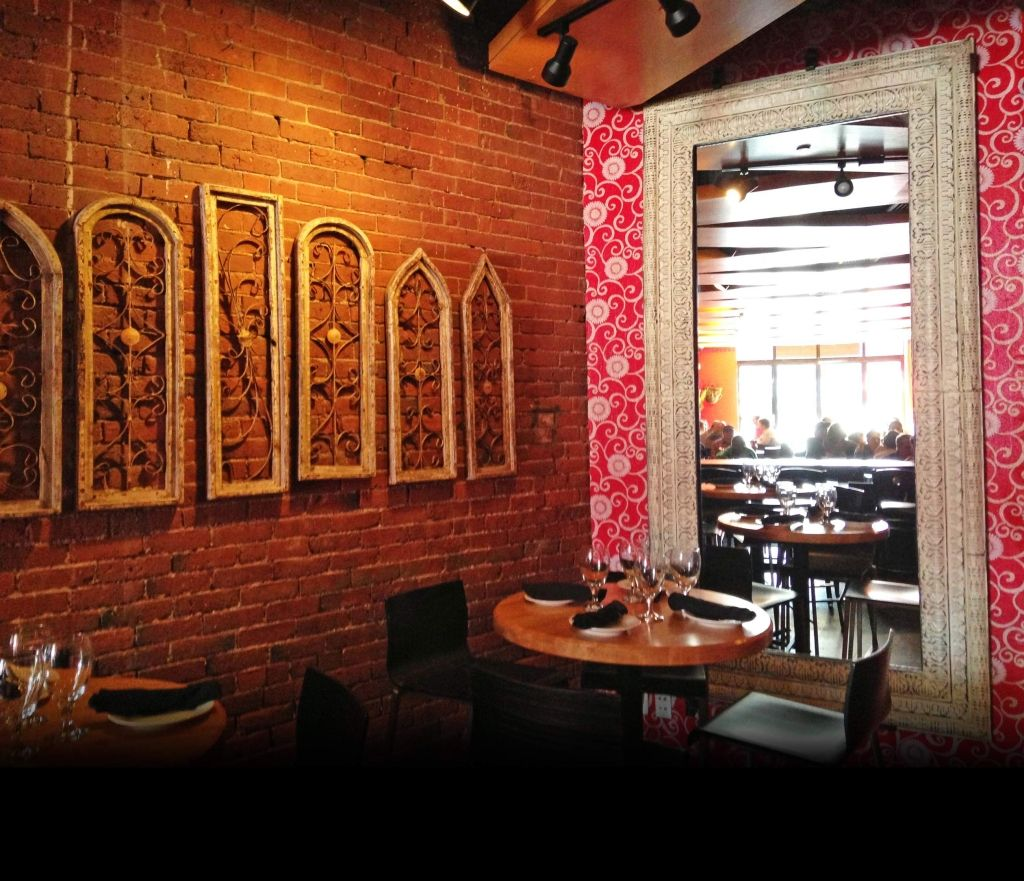 Mexican Bistro Tequila Bar Located In The Back Bay Of Boston Tequila Bar Boston Restaurants Bottomless Mimosa Brunch