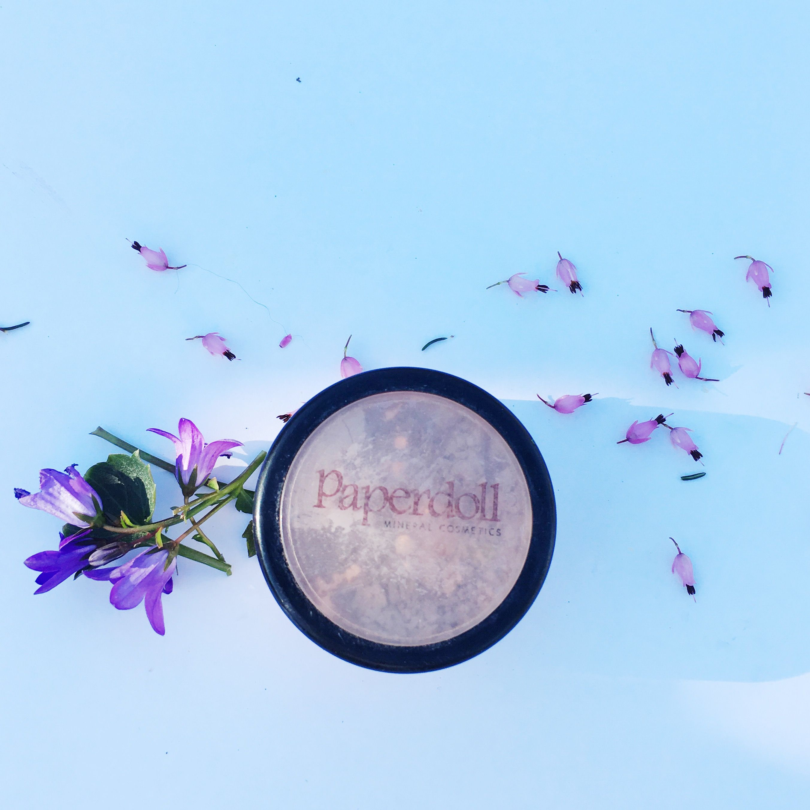Paperdoll loose mineral powder. An all natural and