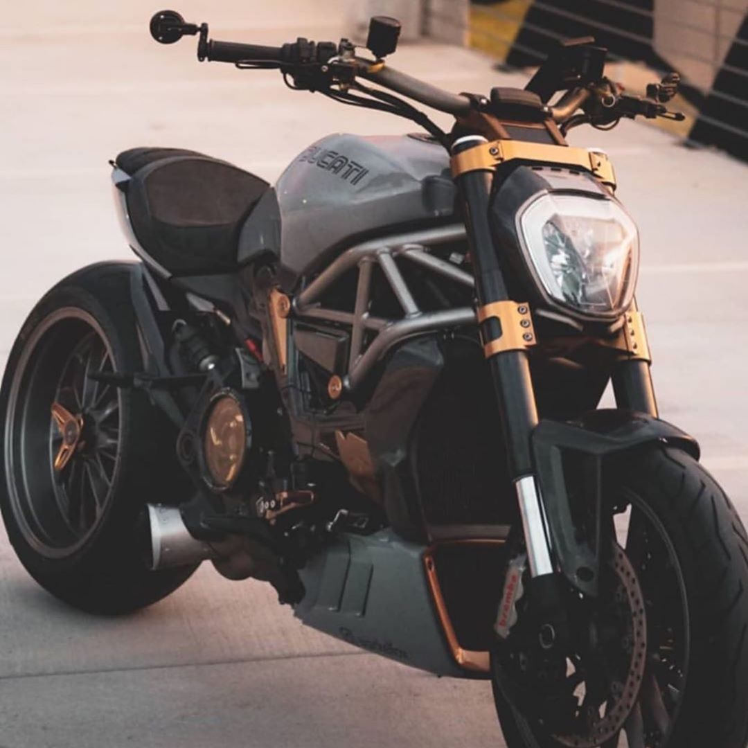 22 1 Mil Curtidas 78 Comentarios Ducati Ducatiiofficial No Instagram Ducatiiofficial Ducati Ducati Ducati Motor Ducati Diavel