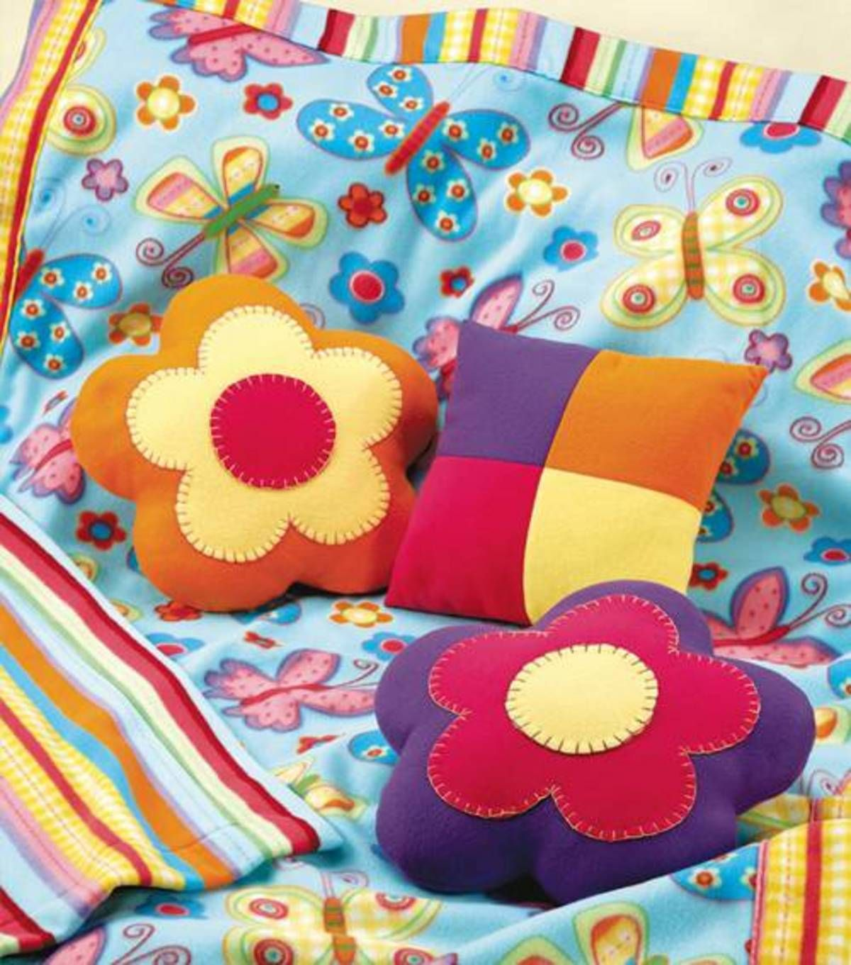 Diy fleece blanket and flower pillows instructions bedding and