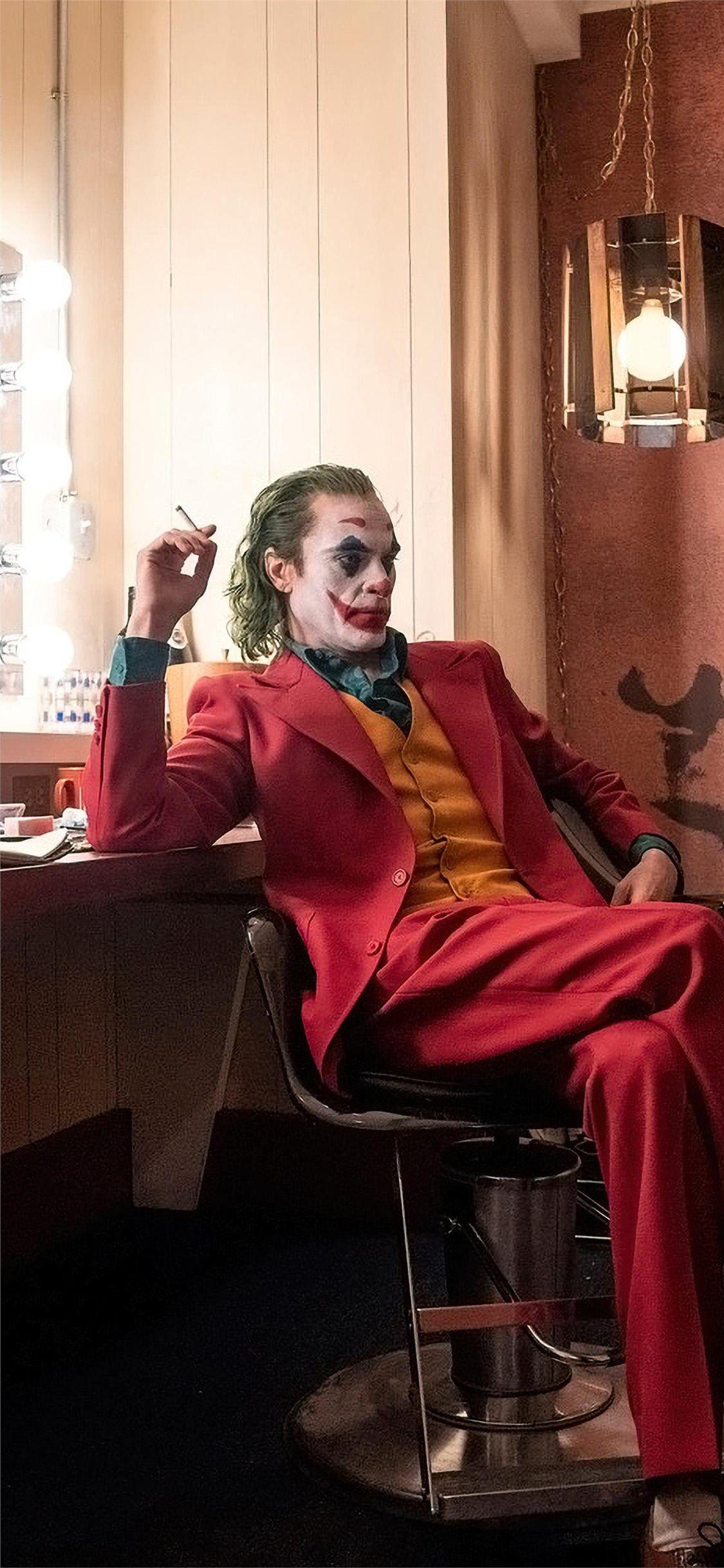 Joker Put On A Happy Face Jokermovie Joker 2019movies Movies Joaquinphoenix 4k Iphone11wallp Joker Hd Wallpaper Happy Face Wallpaper Iphone 11 Wallpaper