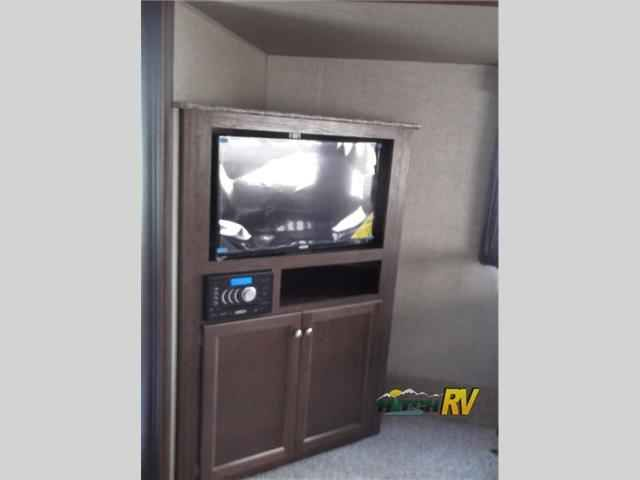 "2016 New Keystone Rv Hideout 299RLDS Fifth Wheel in New Jersey NJ.Recreational Vehicle, rv, 2016 Keystone RV Hideout 299RLDS, You are going to love the spaciousness of this Keystone Hideout fifth wheel model 299RLDS. With dual slides and a rear living area you will easily see the conveniences when you step inside.As you enter you will find a slide out entertainment center featuring a 32"" TV along with a free standing dinette  to your immediate left. The rear wall features two lounge chairs…"