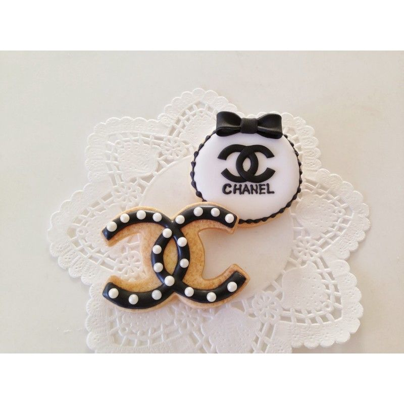 Available on www.itacakes.com Coco Chanel Cookie Cutter #chanelcutter #cookiecutter #chanelcookies #ChanelCookieCutter