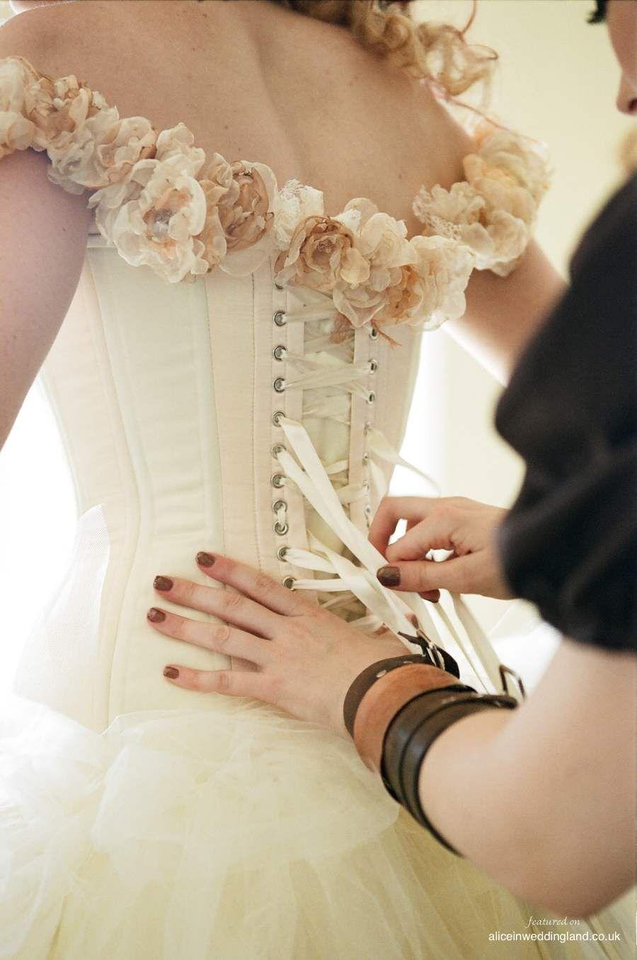 steampunk wedding dresses STEAMPUNK WEDDING GOWNS Alice in Weddingland Steampunk Wedding Steampunk Up Your Wedding
