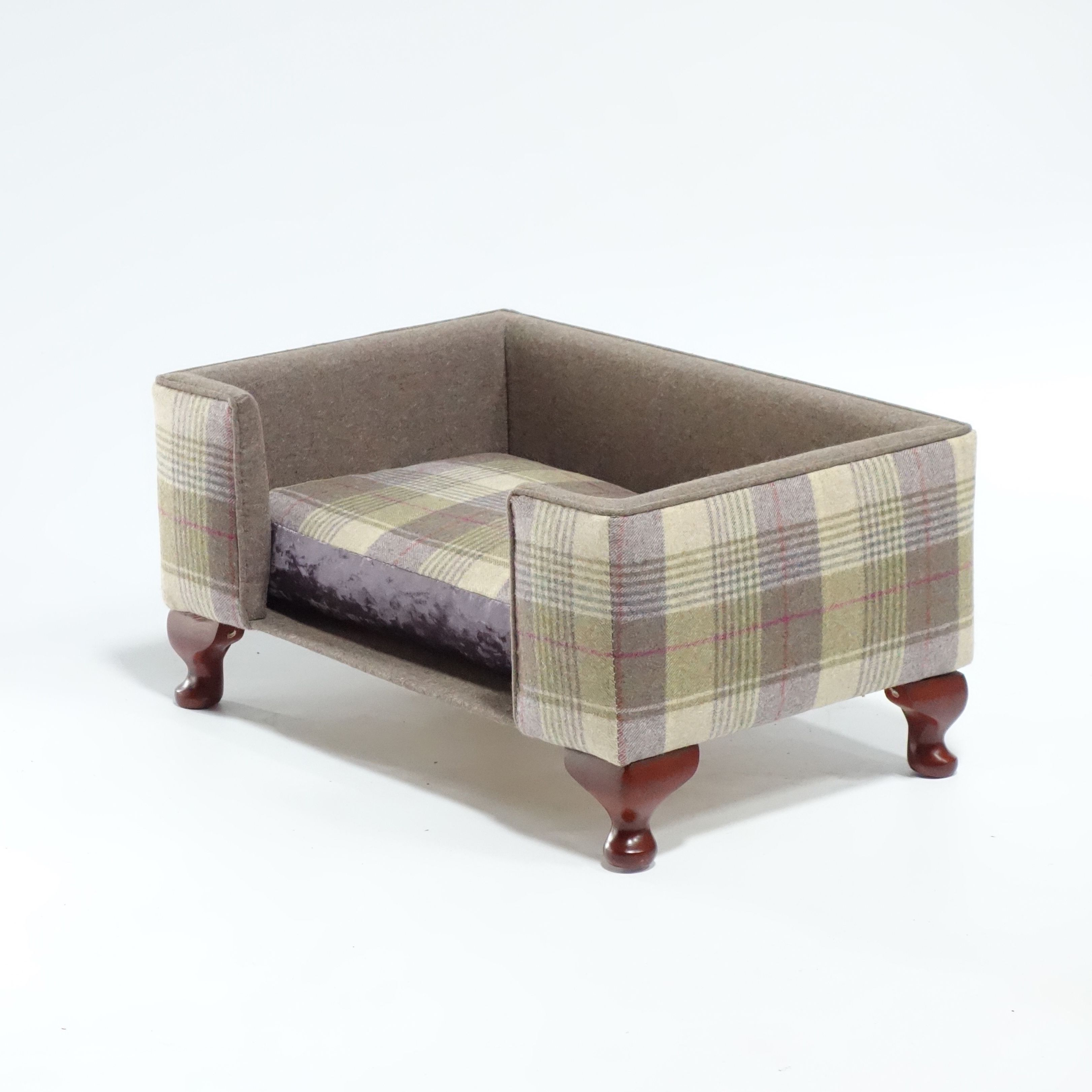 The Woburn Luxury Dog Bed By
