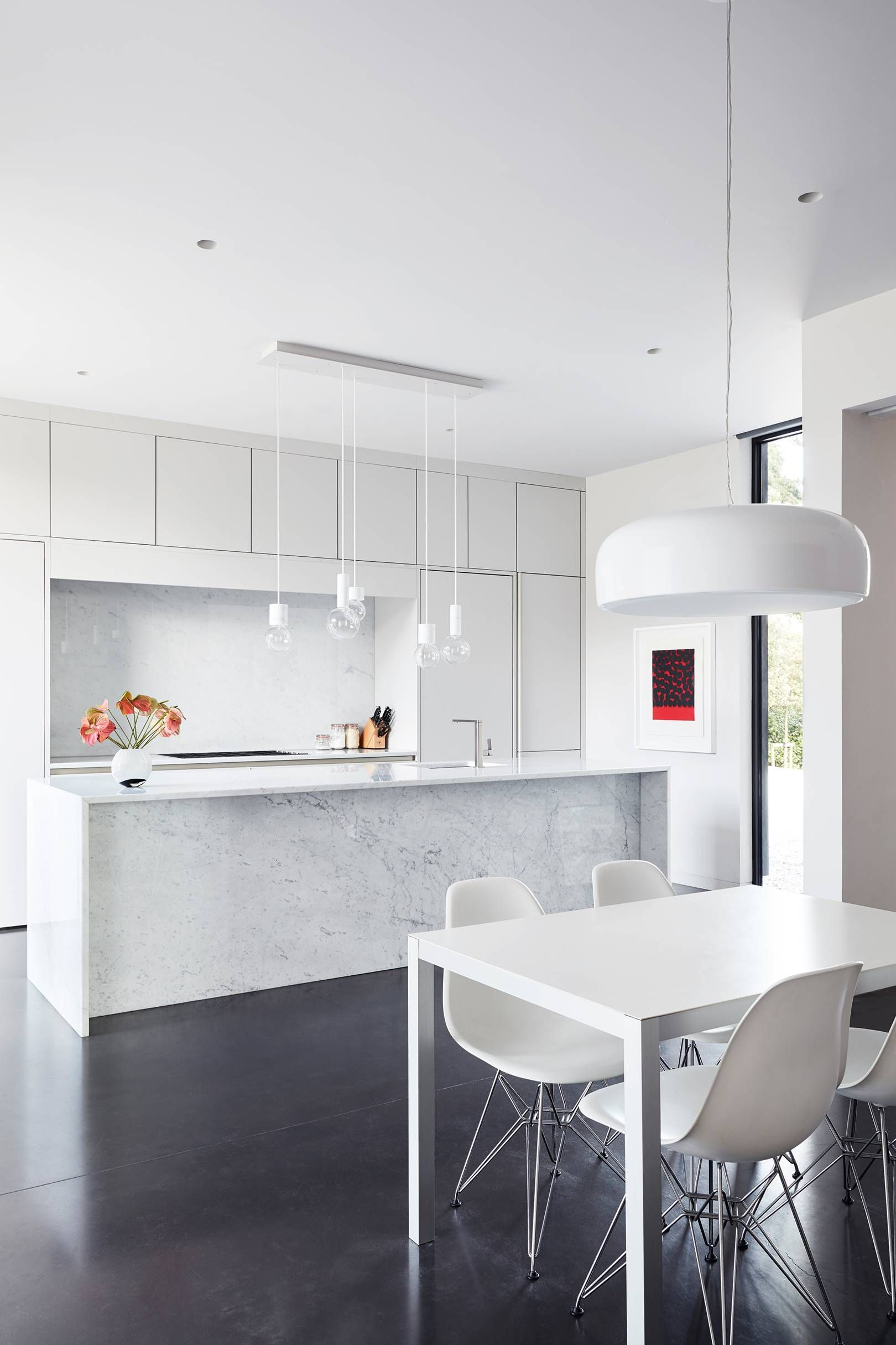 Modern Kitchen Chairs Perched On An Escarpment In Rural Surrey This Modern House Is A