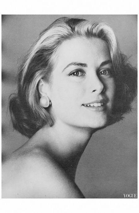 US Vogue November 1982 Irving Penn Archiviato in:Irving Penn Tagged: 80's, Cinema Archive, Grace Kelly, Irving Penn