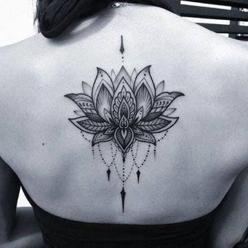 Resultado de imagen para tatuajes mujer espalda tattoos