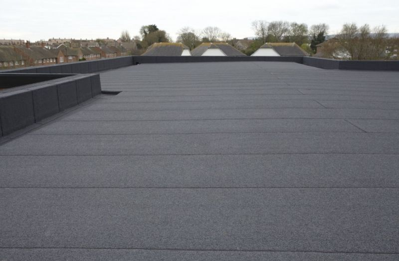 Buildings That Fall Into The Category Of Industrial Buildings And Commercial Buildings Can Reduce The Cost Of Roof M Flat Roof Systems Flat Roof Repair Roofing