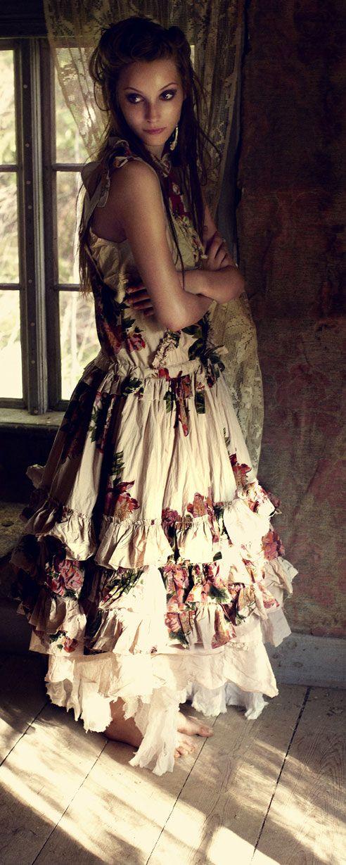 Linolin – romantic and feminine clothing from Ewa i Walla