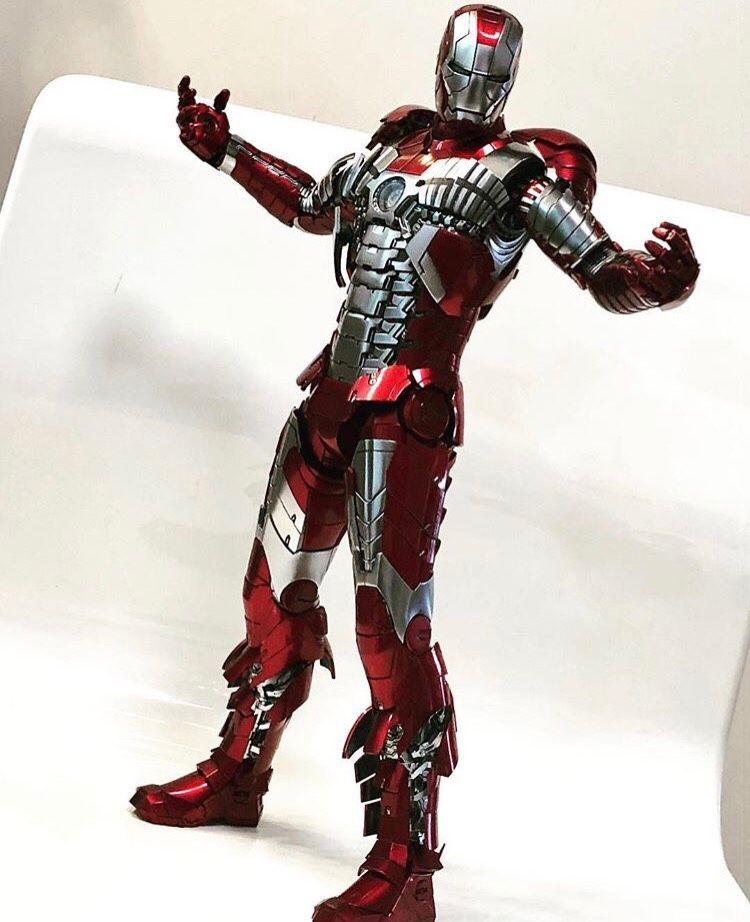 1/6 Hot Toys - MMS400 D18 - Iron Man 2 - Mark V Diecast